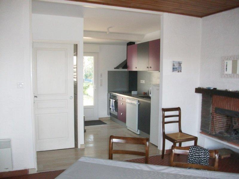 Maison  200m  plage 3 chambres prix special 30/04 au 10/05   16/05 au 23/05 ect., vacation rental in La Tranche sur Mer