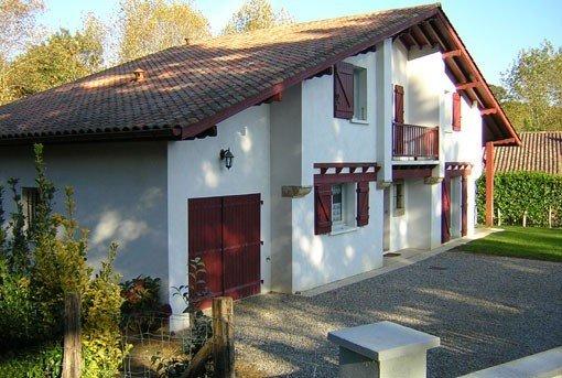 Belle maison de vacances à Espelette (proche Cambo-les-bains) pour 10 à 12 pers, holiday rental in Ustaritz
