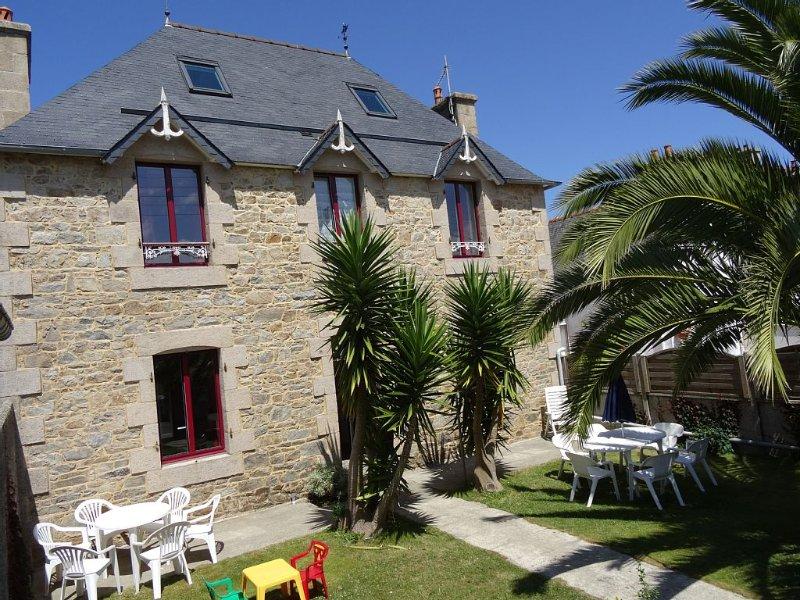 Grande maison Perros-Guirec, location de vacances à Perros-Guirec