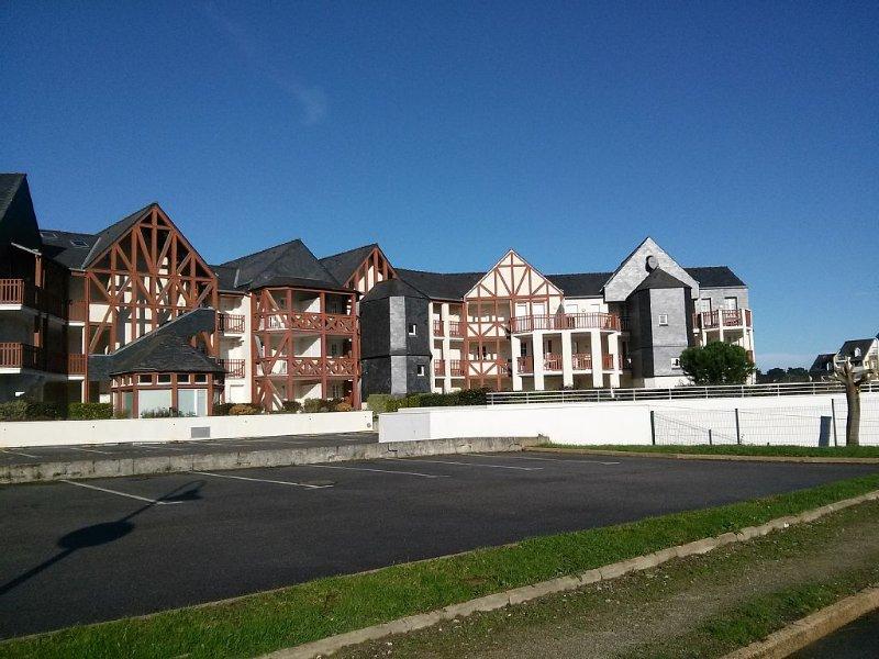 T2 au rez de chaussée vue port du Crouesty, vacation rental in Arzon