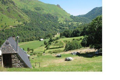 Bergerie aménagée en vallée d'Ossau à Béost, aluguéis de temporada em Bearn-Basque Country (Pyrenees Atlantiques)