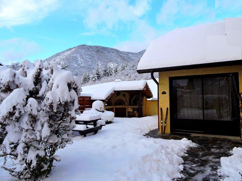 RESSOURCEZ-VOUS EN MONTAGNE:2 au 16/janvier=319€/sem/ski/randos/luges à dispo, holiday rental in Seyne