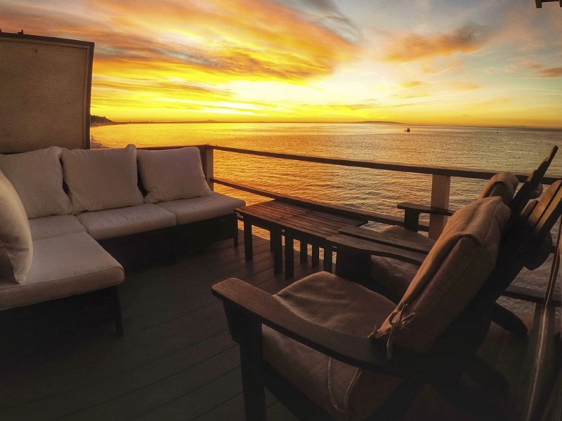 Oceanfront Suite on Carbon Beach in Central Malibu, holiday rental in Malibu
