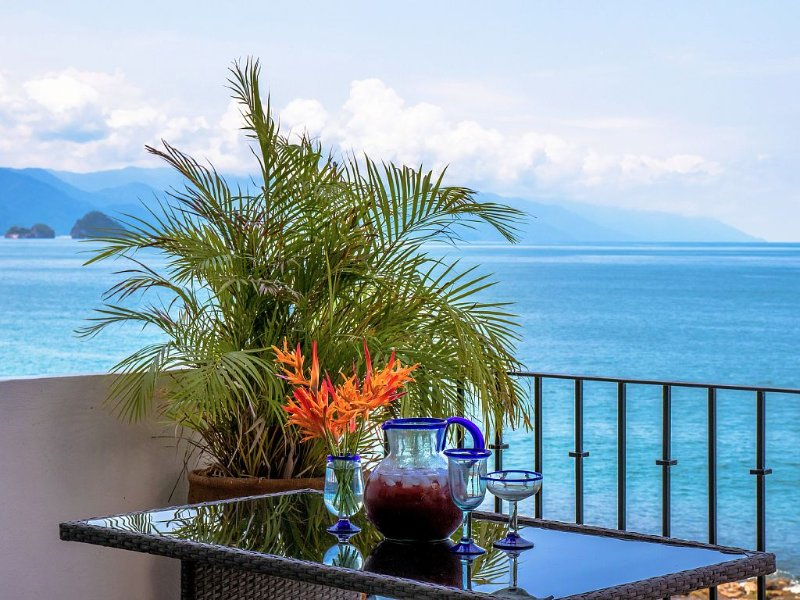 2 Level, Totally Private Unit Right On The Water & 5 Mins From Downtown, vacation rental in Puerto Vallarta