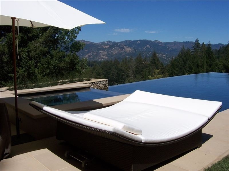 Luxury Vineyard Guest House with Amazing Views, Pool, Tennis!, vacation rental in Napa Valley