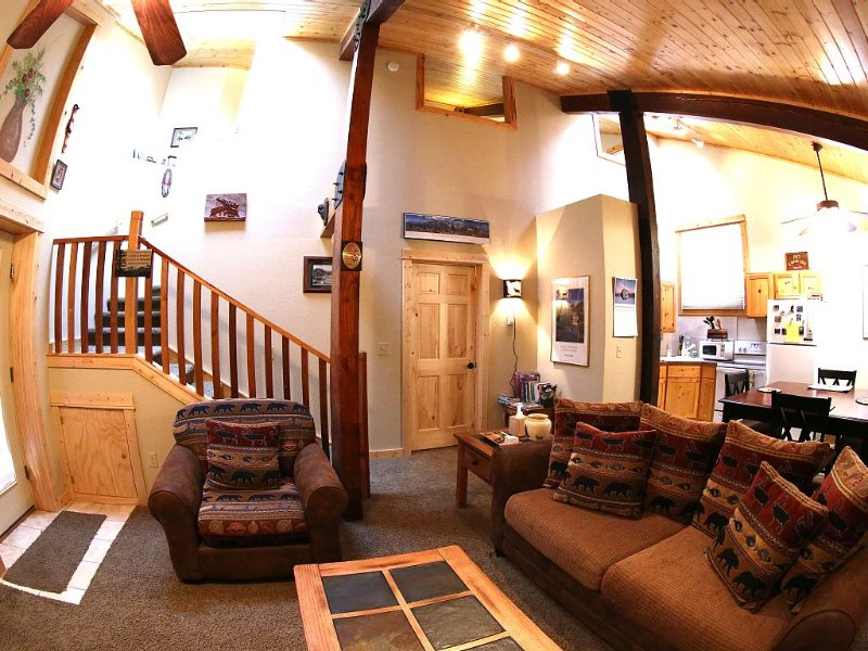 Downtown Location! Your dream vacation can start here!, vacation rental in Estes Park