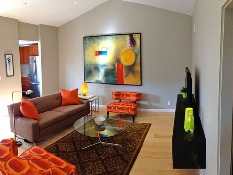 Modern And Beautiful for Two - All Remodeled, New Furniture & Appliances, holiday rental in Palm Springs