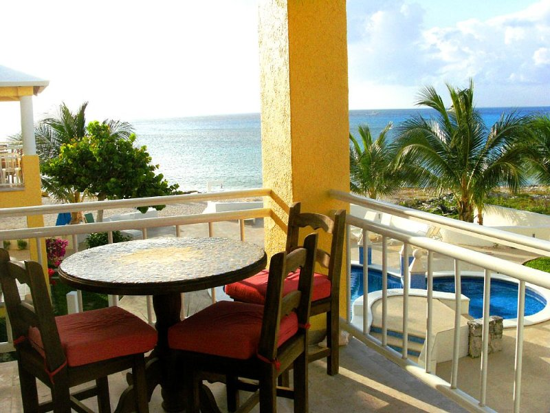 Beachfront Paradise Condo - Great Snorkeling from the Beach!, vacation rental in Cozumel