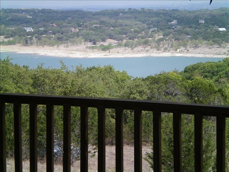 Enjoy the Beautiful View and Family Fun!!, location de vacances à Canyon Lake