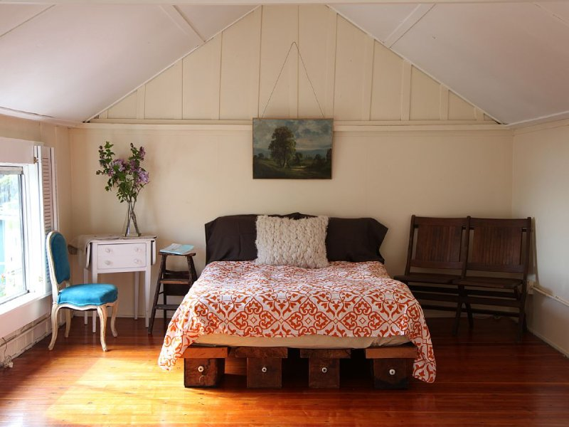 Historic Carriage House with Beautiful Bay Views, vacation rental in Sausalito