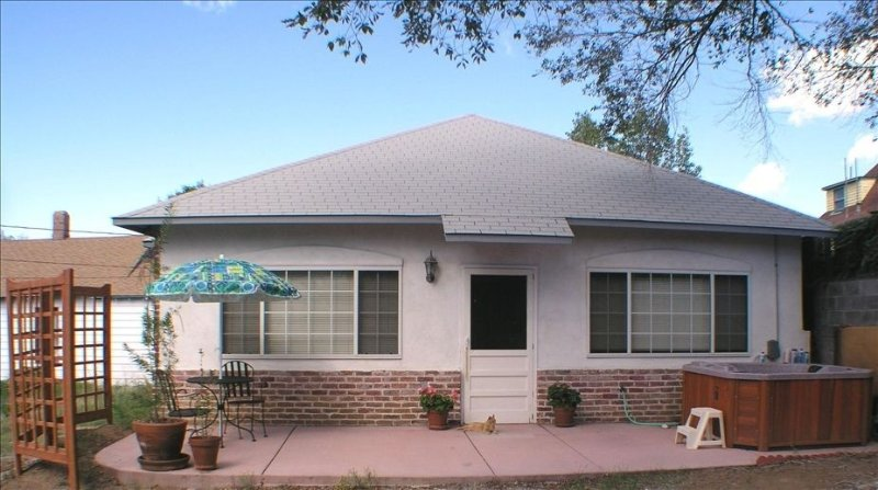 Furnished Cottage in Historic Silver City, vacation rental in Silver City