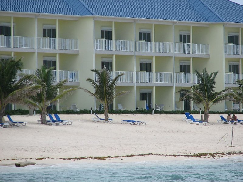 Beachfront 1st Floor Condo - Step off your patio and into paradise!, holiday rental in East End