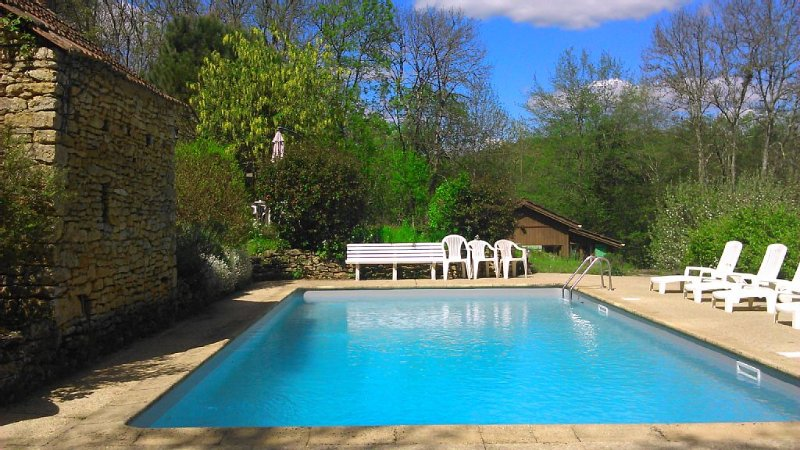 Chalet 5 personnes, avec grande chambre et mezzanine / piscine, location de vacances à Tamnies