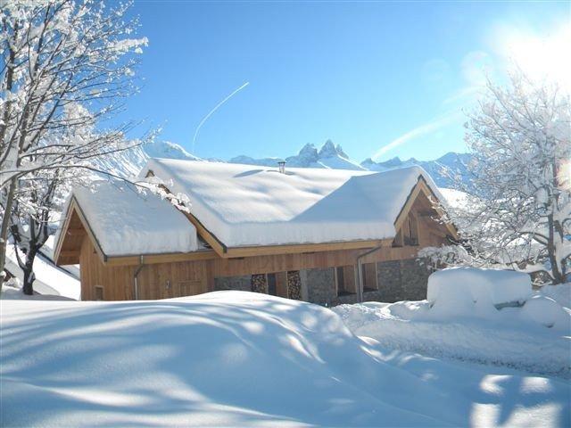 Chalet à 200m des pistes de ski avec 6 chambres et superbe vue sur les montagnes, vakantiewoning in Saint-Julien-Mont-Denis