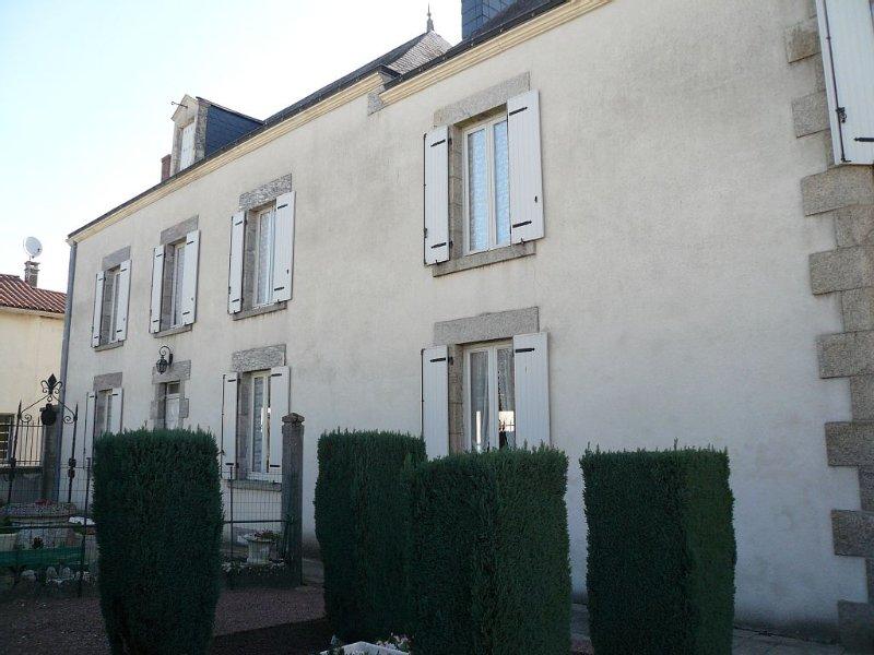 A 20 mn du PUY du FOU , proche  du MARAIS POITEVIN et à 1heure de l'ATLANTIQUE, holiday rental in Saint-Marsault