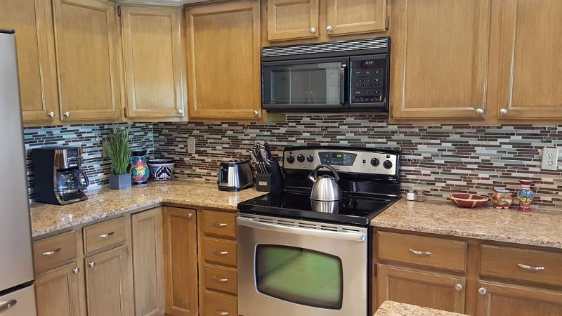 Updated kitchen with all the amenities.