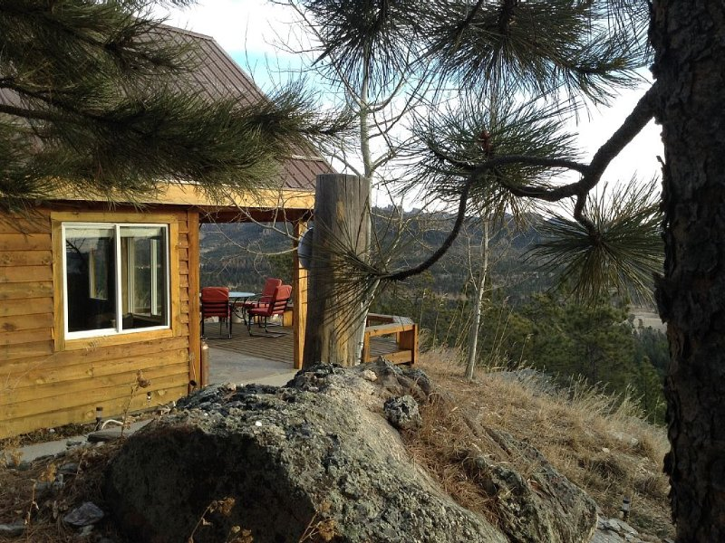 Best View in Hills! 6,000 Feet!  See Harney Peak, The Needles From Deck!, casa vacanza a Custer