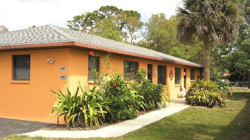 401 Shore Rd - Spacious, Walk to Nokomis Beach/Casey Key, Wi-Fi, Pet Friendly, aluguéis de temporada em Nokomis