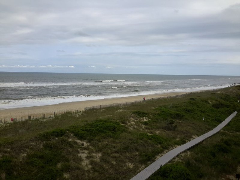 Seamist Escape / 2 Bedroom Ocean front Condominium, holiday rental in Hatteras Island