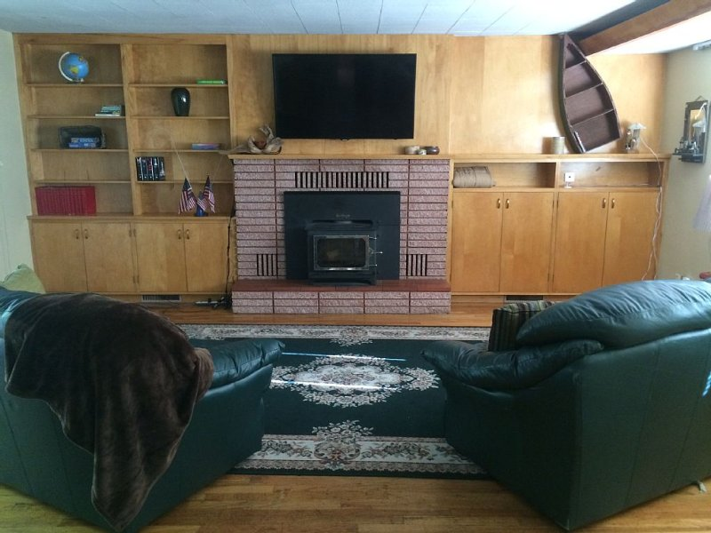 3 beds$120/night. Sleep 6, vacation rental in Enoch