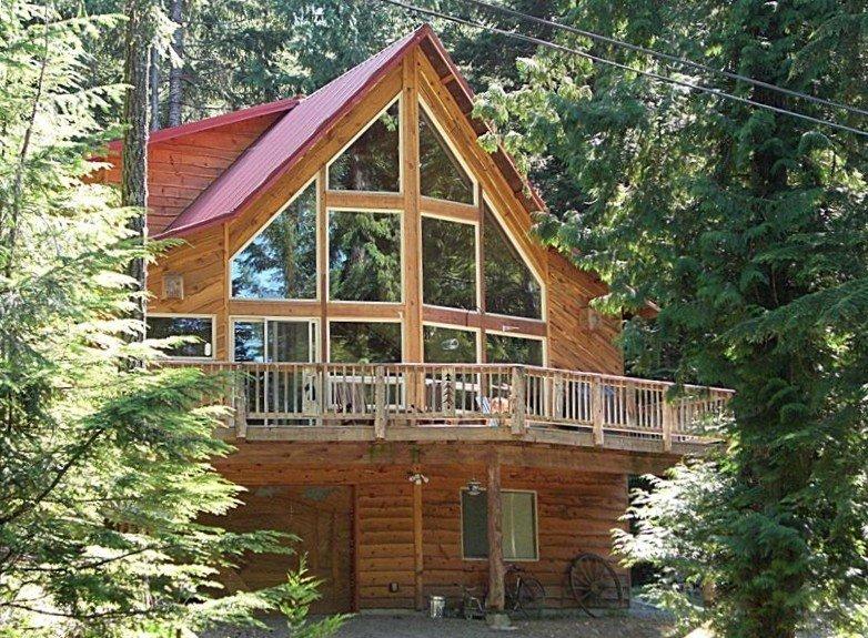 Luxurious Custom Cabin Near Mt. Rainier Park & White Pass Ski Area, holiday rental in Packwood