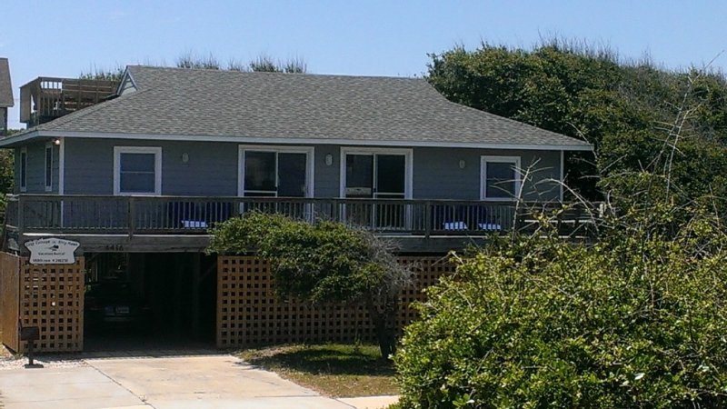Cozy Cottage in Kitty Hawk with Gorgeous Ocean Views!, alquiler de vacaciones en Kitty Hawk