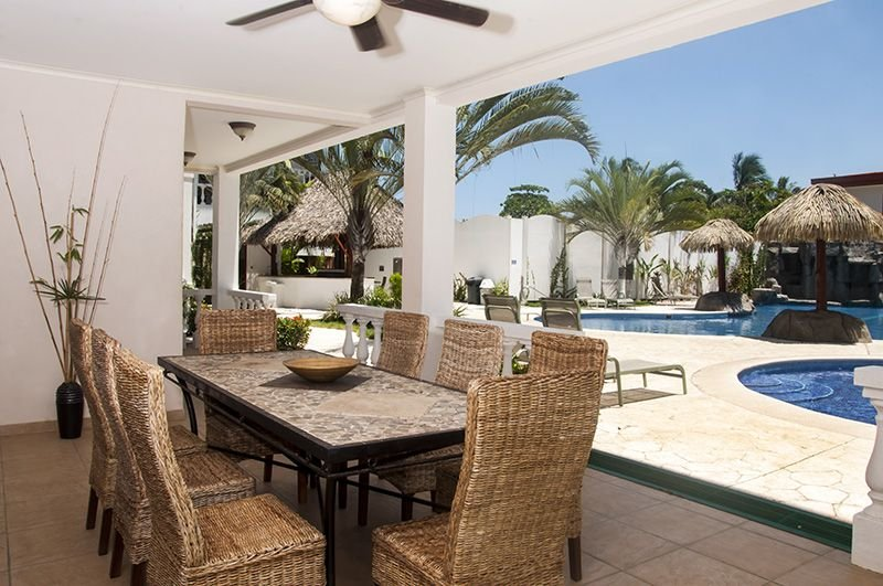 200 sq/ft of Outdoor terrace to enjoy the morning sun or fabulous sunsets