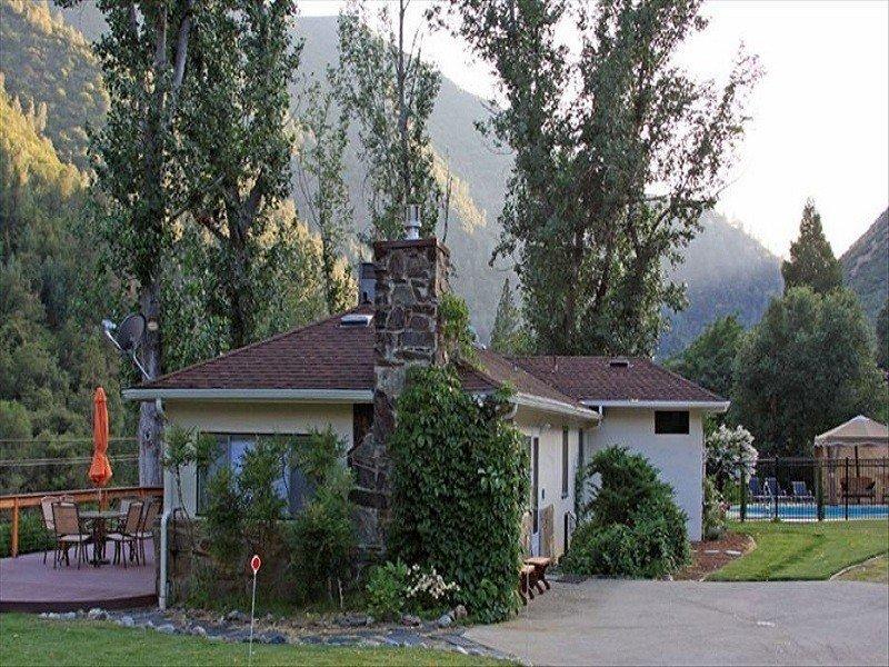 Closest Home to Yosemite Valley on the Merced River, location de vacances à El Portal