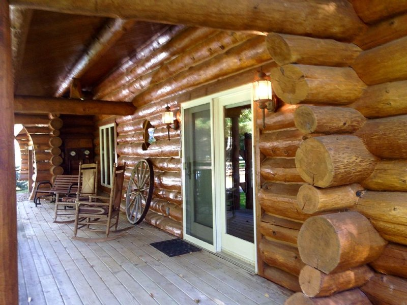 Log Home- September Dates Available, location de vacances à Oceana County