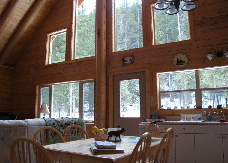 Grey Wolf Cabin - One Mile to Ne Entrance to Yellowstone Park, aluguéis de temporada em Cooke City
