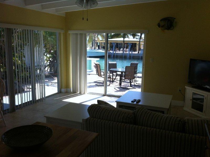 2 Bedroom Duplex in Beautiful Key Colony Beach, holiday rental in Key Colony Beach