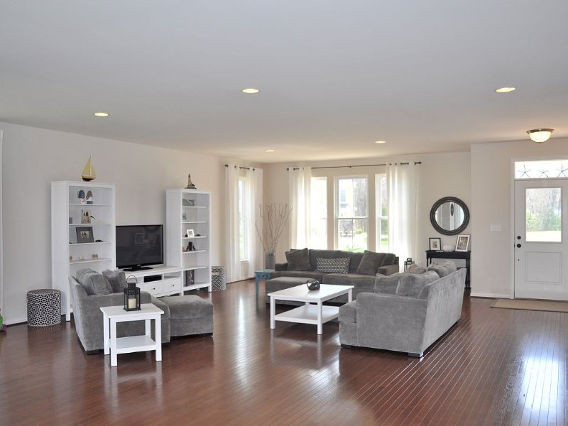 Cozy, bright and spacious new villa in The Peninsula- 5 star gated community, vacation rental in Millsboro