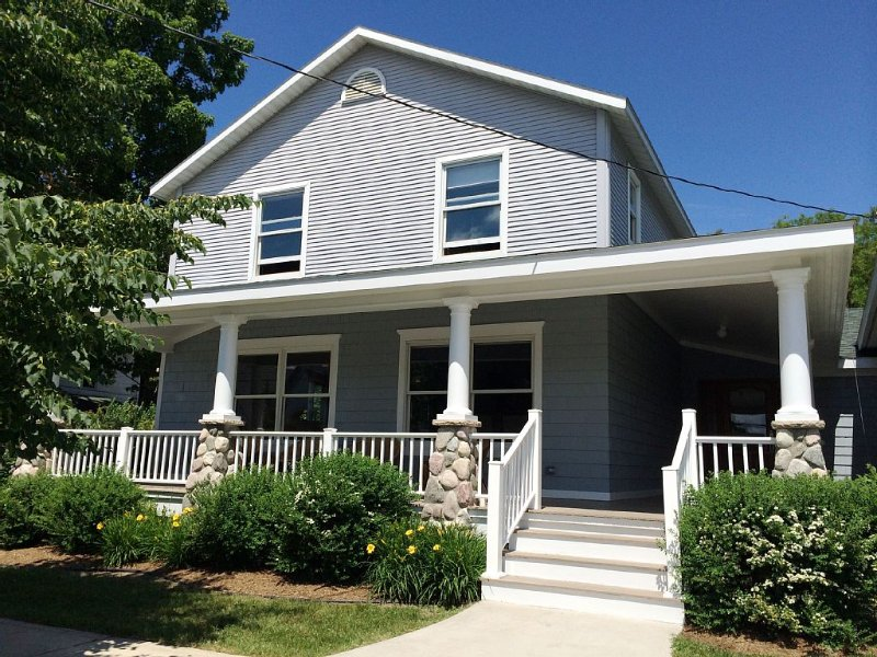 Stunning newly renovated house downtown Harbor Springs, Michigan, holiday rental in Wequetonsing
