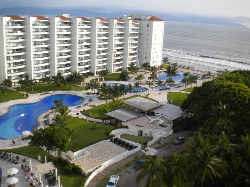 Great Ocean View Condo in Vallartas' Best Bay. Bay of Banderas, location de vacances à Nuevo Vallarta