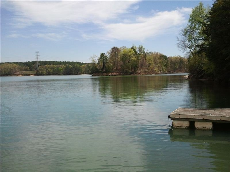 Lakefront Cottage on Mountain Island Lake/Lake Norman & Lake Wylie, Ferienwohnung in Belmont