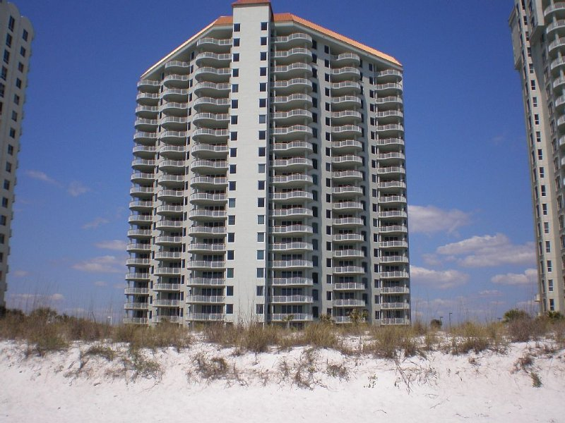 This Beautiful Oceanfront Condo Is Waiting For You!!!, location de vacances à Navarre