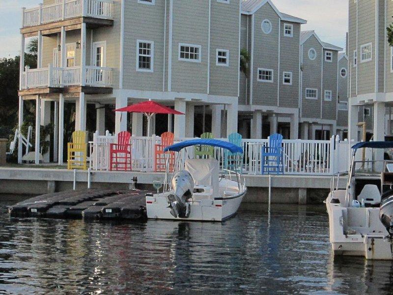 Beautiful home in oceanfront resort with pool & dock, 16 miles from Key West, holiday rental in Cudjoe Key