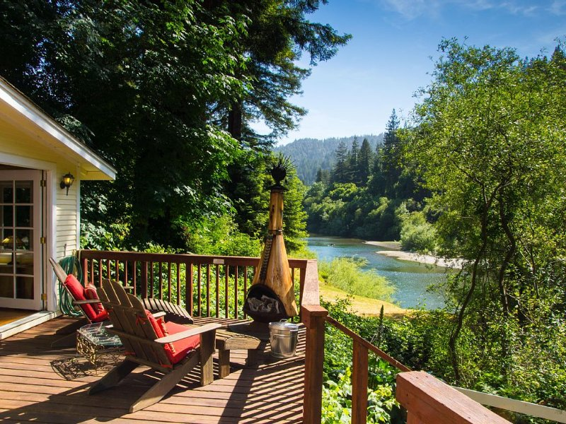 Riverfront Cottage in Sonoma Wine Country | Beach & River Access | Dog Friendly, holiday rental in Duncans Mills