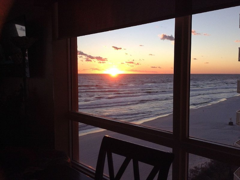 Splash - GULF VIEWS  - 3BR 3BA Lockout Low Floor End Unit + 2 FREE Beach Chairs, vacation rental in Panama City Beach