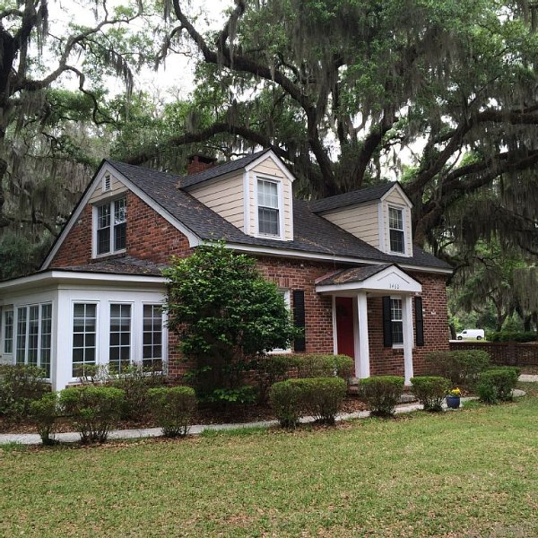 Charming Cottage in Beaufort Historic District, vacation rental in Lady's Island