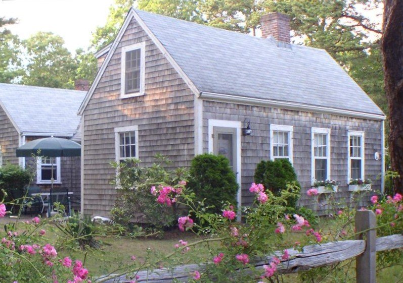September is glorious! Central A/C; south of Rte 28; lovely spot, location de vacances à Yarmouth