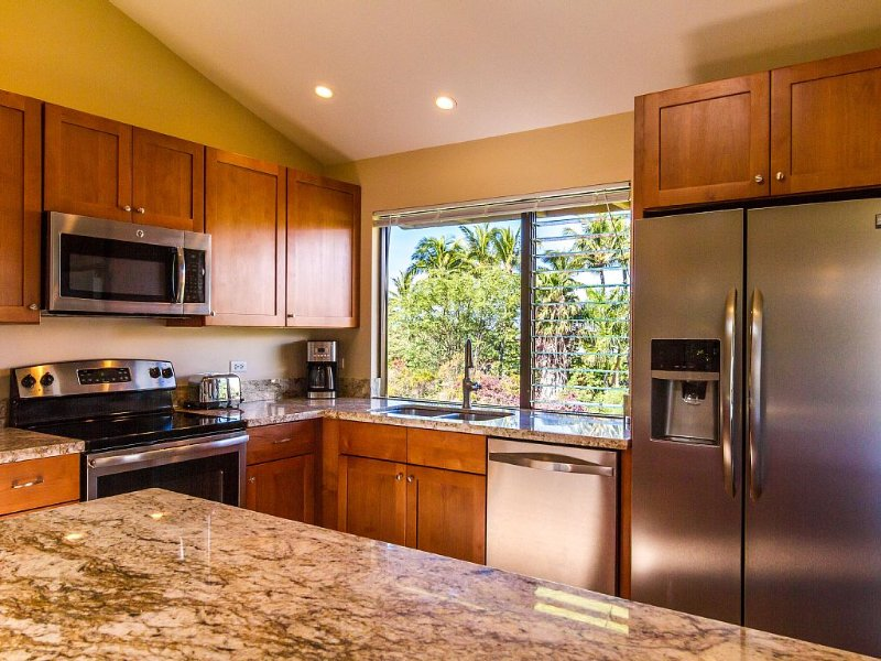 5D - One of the closest to the Beach, Recently remodeled and very well equipped., holiday rental in Wailea