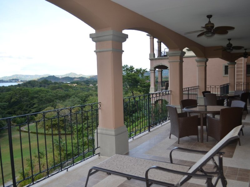 Heaven On Earth And Breathtaking Views In This Costa Rican Condo, vacation rental in Playa Conchal