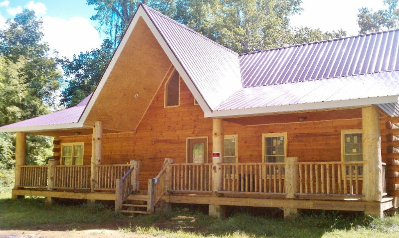 28 Acre Private Mountain Escape Home, holiday rental in Marshall