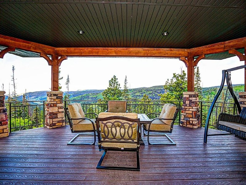 Beautiful Luxury Cabin With Amazing Views!, vacation rental in Junction