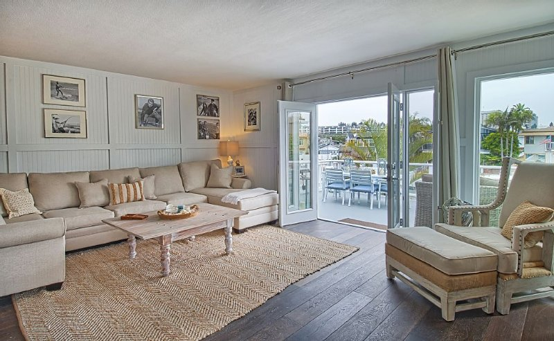 RATE SLASHED FOR BOAT HOUSE BY THE BEACH!, holiday rental in Newport Beach