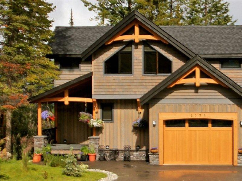 5 Star, 3,100 Sq Ft Family Home (3 night min, 10% summer 2020 discount), location de vacances à Golden