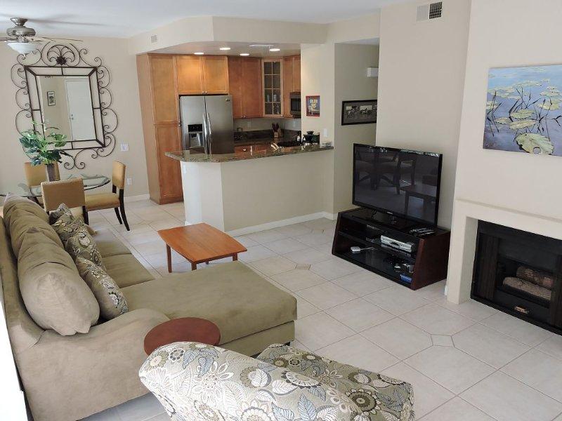 Convenient Location - Del Mar Hghts/Carmel Valley Condo, vacation rental in La Jolla