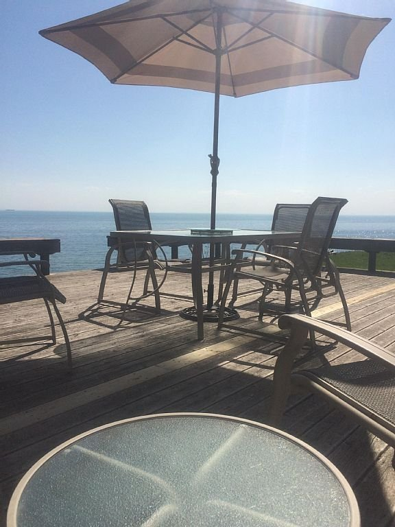 Large Deck area facing Lake Erie with Spectacular uninterrupted view to relax in