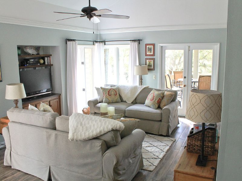 Stylishly Renovated Villa With Fabulous Views and All Amenities, vacation rental in Hilton Head